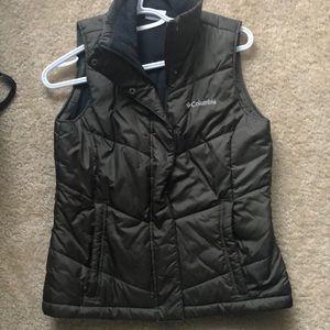 Columbia green vest